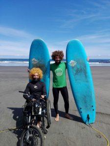 clases-de-surf-en-asturias-discapacidad